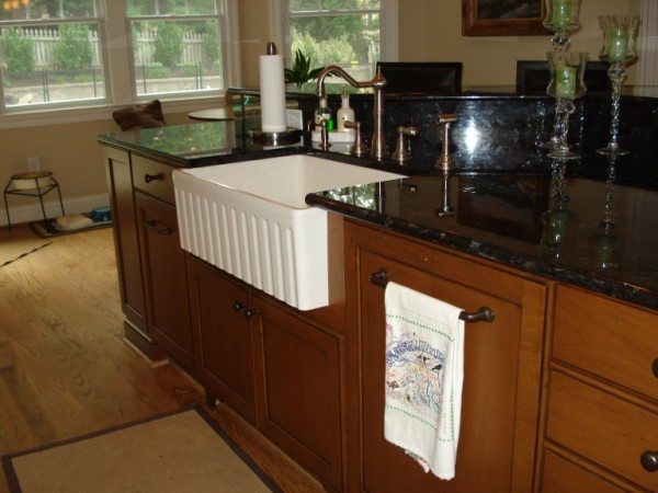 Fluted Apron Sink in Island